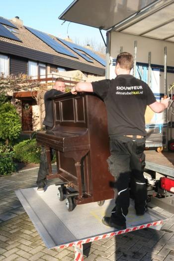 Piano vervoeren verhuis goedkoop met de meubeltaxi - Vervoeren van een trappenhuis ...
